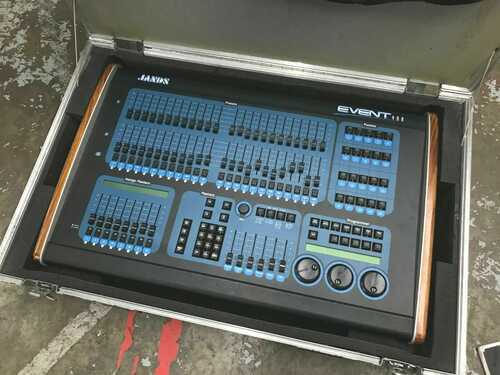 Jands Event 408 Lighting Control Console With Manual and Flight Case