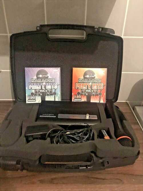 Kam KWM5 Wireless Microphone System in hard carry case WITH EXTRAS and leads