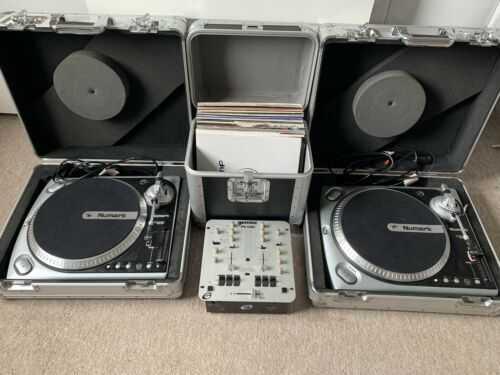 DJ Setup X2 Numark TT200 Turntables and Gemini PS540i Mixer